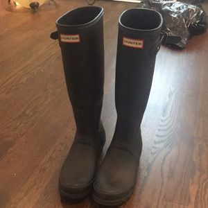 Practically new tall Hunter rain boots